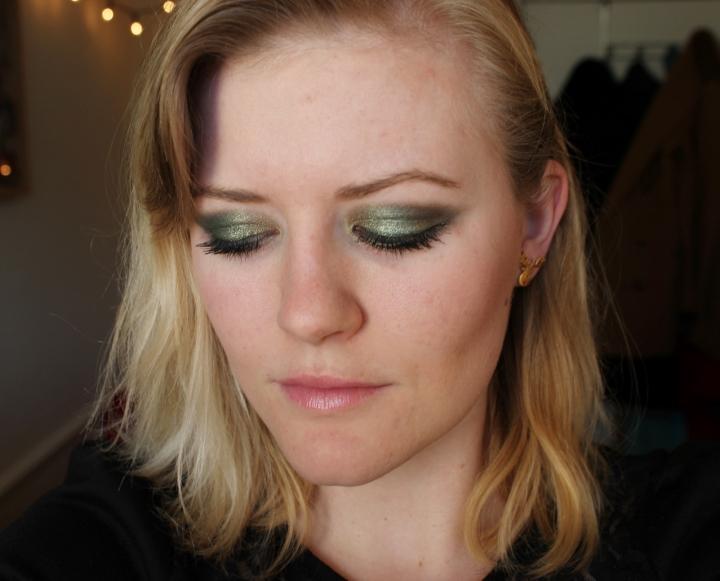 makeup revolution eyeshadow green