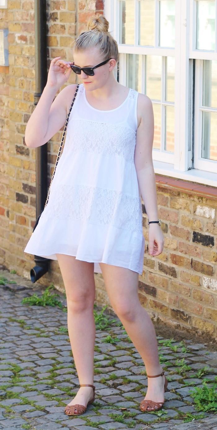 Apricot white lace dress