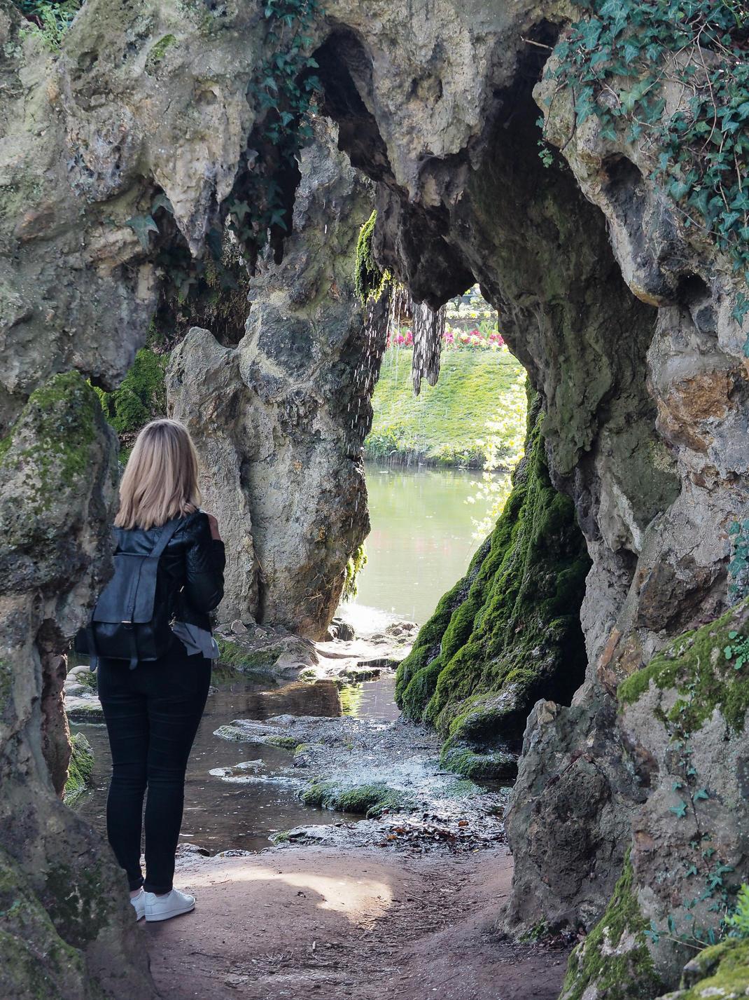 jardin vaubin, grotto in lille
