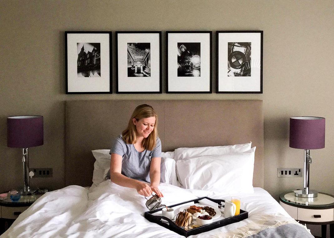breakfast in bed hotel
