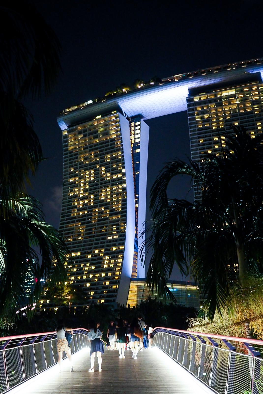 marina bay sands hotel at night