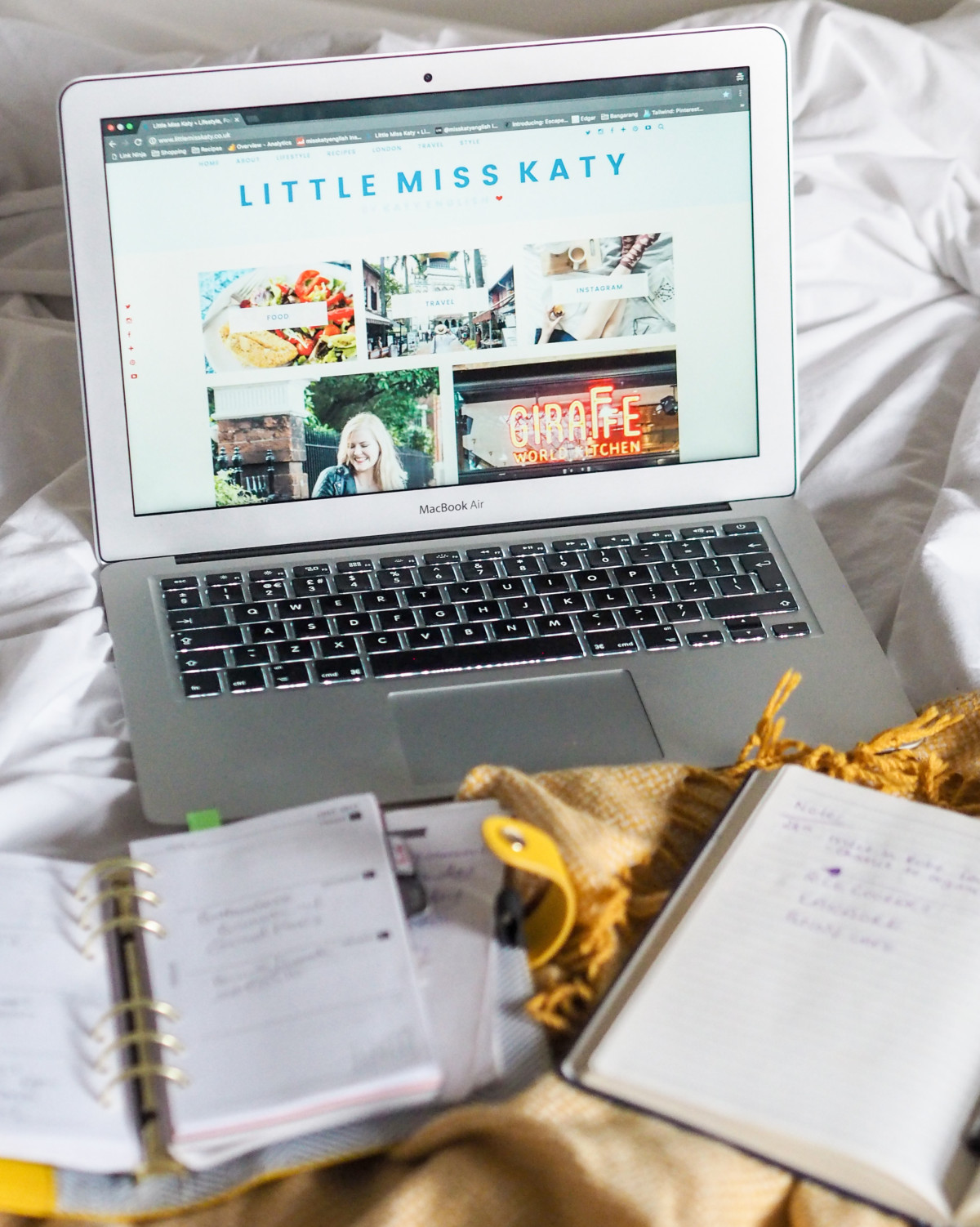 behind the scenes blogging