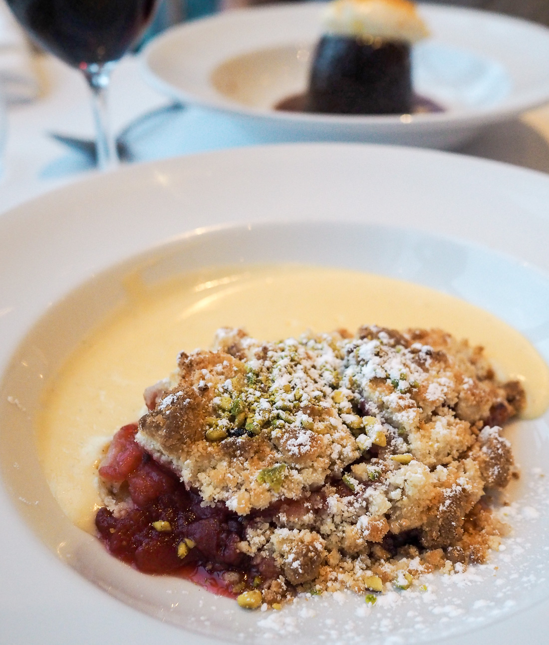 apple and berry crumble with custard