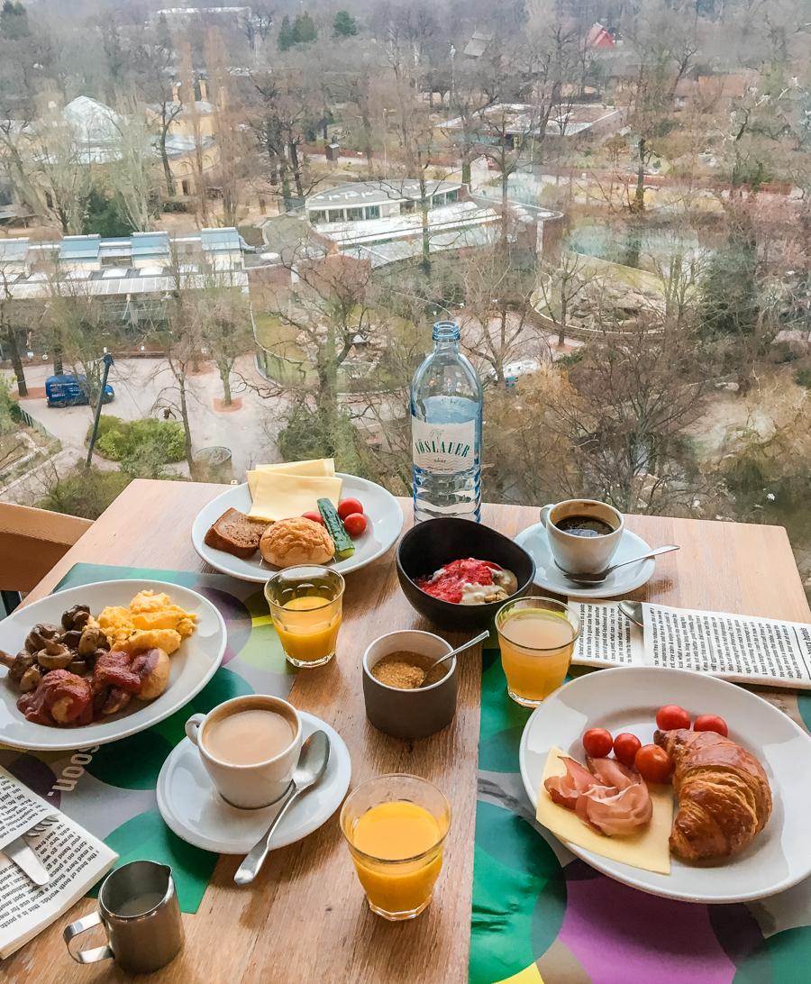 25h Bikini Berlin hotel breakfast